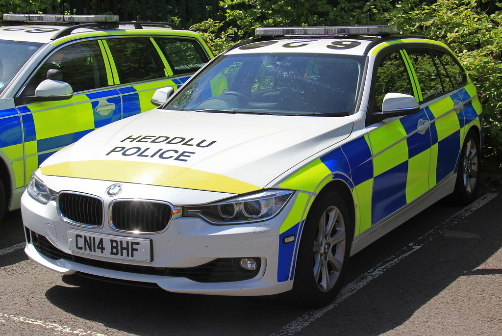 South Wales Police Roads Policing Unit Bmw 330d Estate Tra