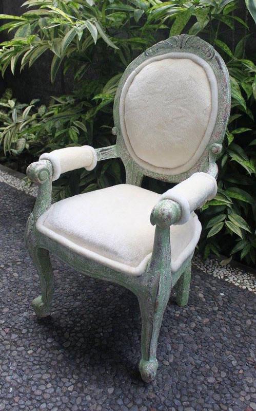 9-eclectik2-princess-chairs-by-eclectik