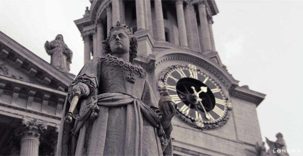 Queen's Hour