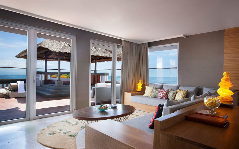 6-grand-aston-roof-ocean-front-suite