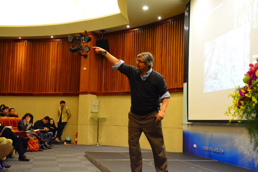 3/14 Paul Robbins於台大演講。圖片來源:練聿修。