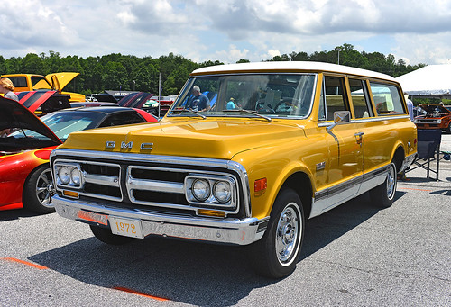 A Pristine 1972 Gmc 1500 Super Custom Suburban At The