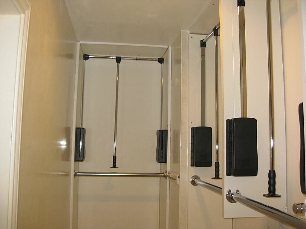 Attrayant ... Pull Down Closet Rod   By Awans