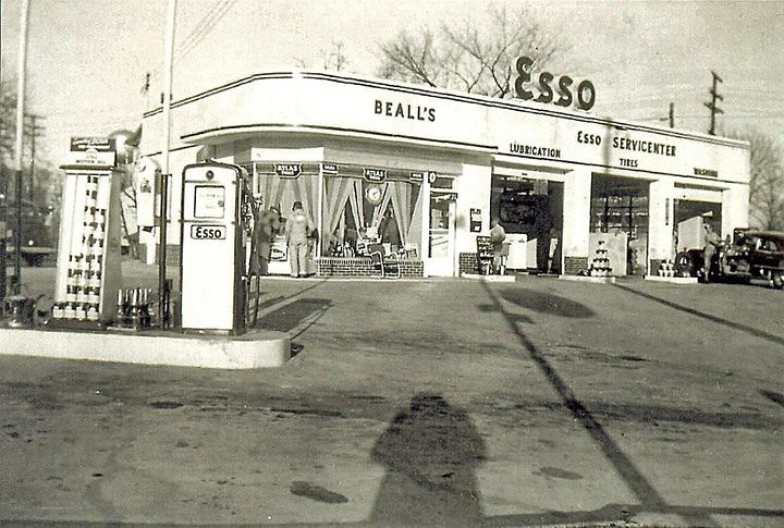 bealls esso    corner  rockville pike dodge st