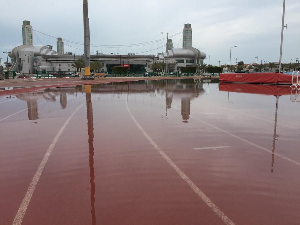 Flooded running track at al sadd sports club at last a swi flickr for Al sadd sports club swimming pool