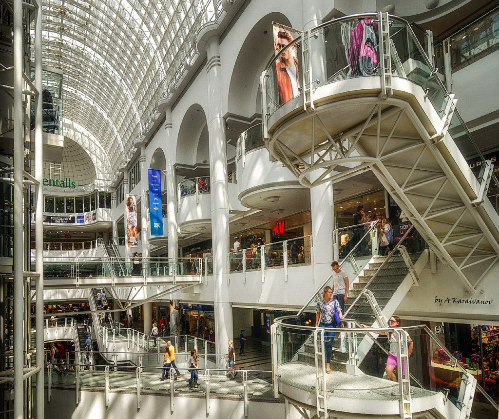 Bentall Centre Kingston is home to stylish brands over 75 stores including women's, men's and kids' fashion, beauty, home, food, technology and more.