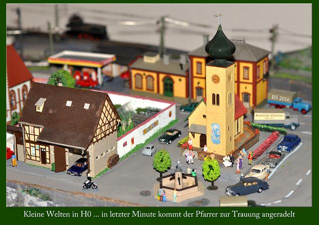 Eisenbahnanlage H0 Modellbau Putzingen ... Wo bleibt der Pfarrer ... Fotos: Brigitte Stolle 2016