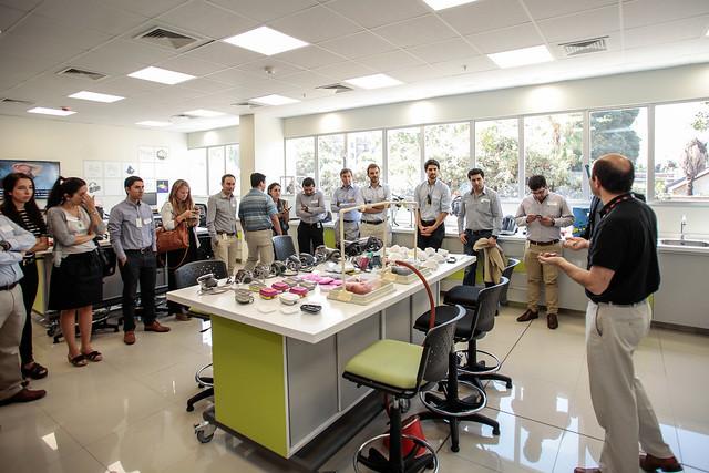 Visita al Centro de Innovación de 3M en Santiago