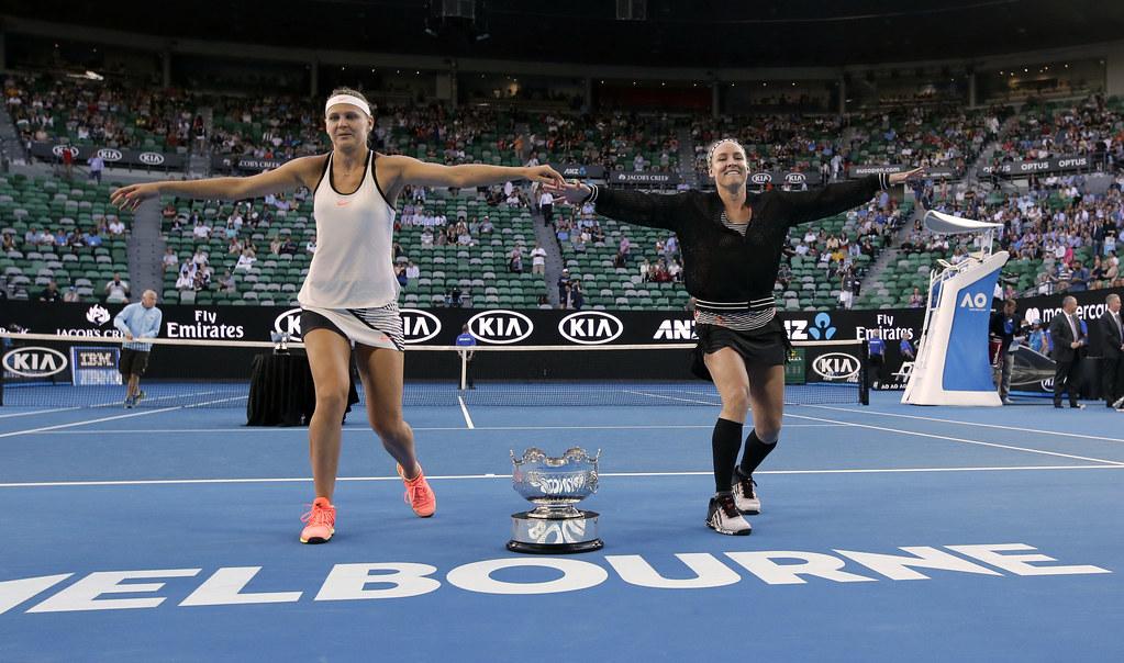 Bethanie Mattek-Sands(圖右)與Lucie Safarova。(達志影像)