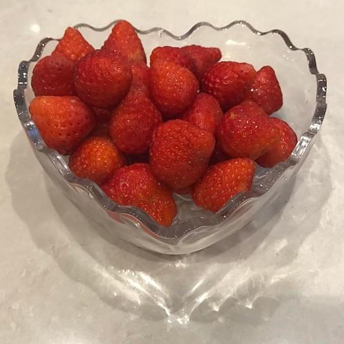 20170320今天是春分,吃草莓