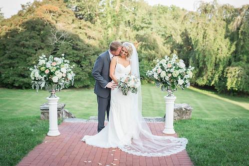 wedding attire tips