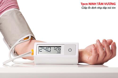 Kiểm soát huyết áp trong giới hạn để tránh rối loạn nhịp tim
