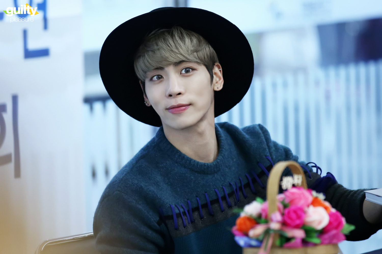 151122 Jonghyun @ 'Skeleton Flower' - Evento Fansign. 22913223700_aa584f9533_o