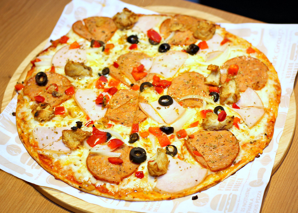 tinos-pizza-cafe-mr-tino-pizza