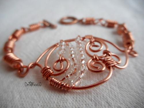 braccialetto riccioli di rame e perline trasparenti 3 copia