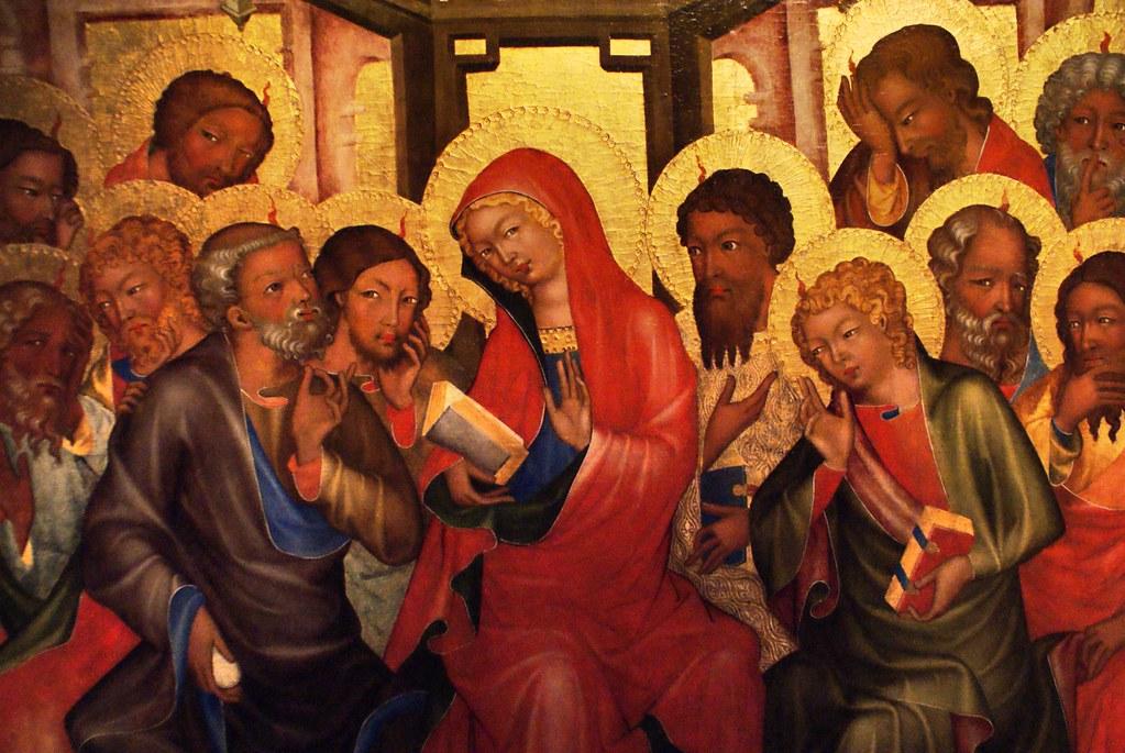 Vierge Marie entourée des 12 apôtres au musée d'art gothique de Prague.