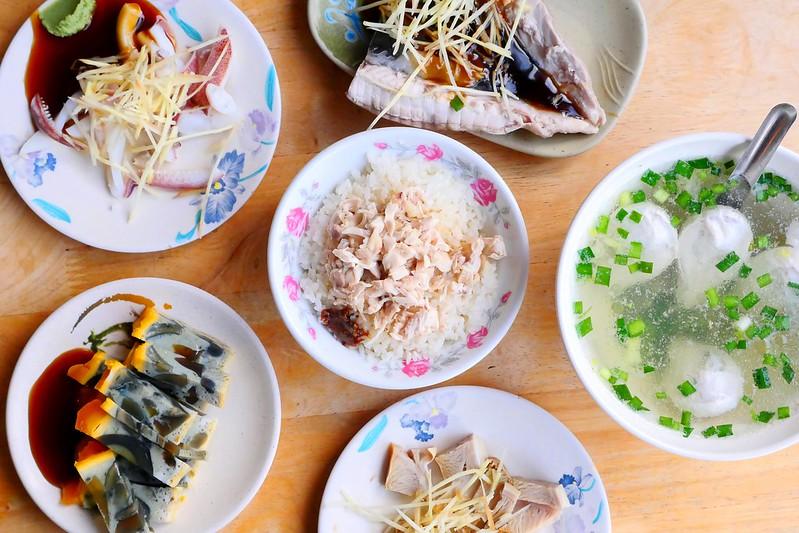32199870991 43234bcd76 c - 小林雞肉飯:天天午晚餐客滿排隊 招標虱目魚魚肚丸湯好吃必點!