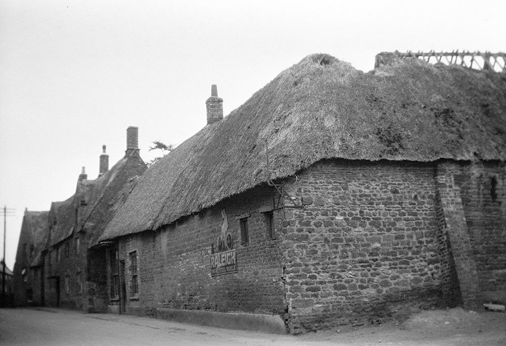 old photos of earls barton