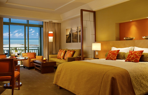 The Reef Atlantis has modern and opulent rooms for a one-of-a-kind getaway.