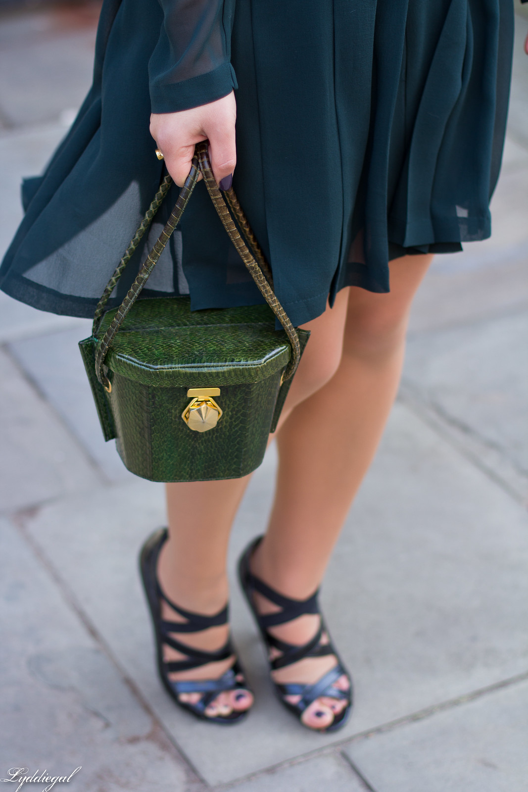 Green Tory Burch Silk Dress, snakeskin bag, anchor necklace-7.jpg