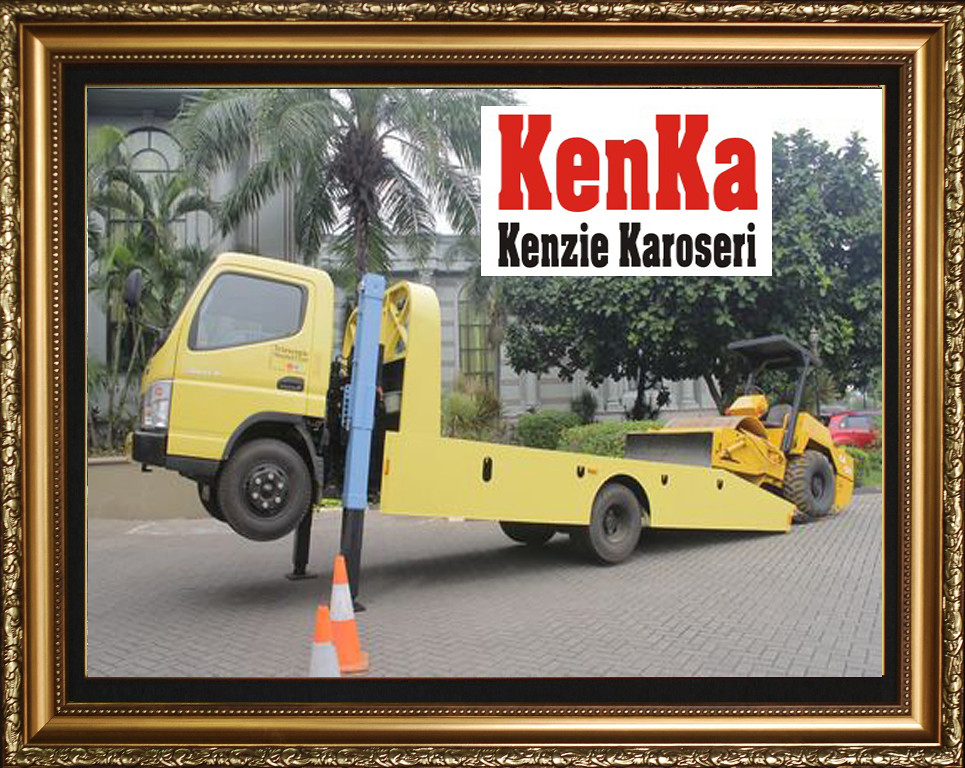 Karoseri Towing + Self Loader