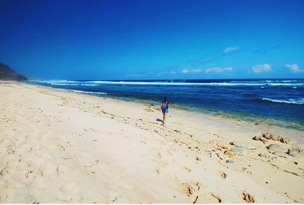 21746968718_1a51ace8c5_b - 7 Destinasi Pantai Tersembunyi yang Bisa Kamu Kunjungi ketika Liburan di Bali - paket wisata