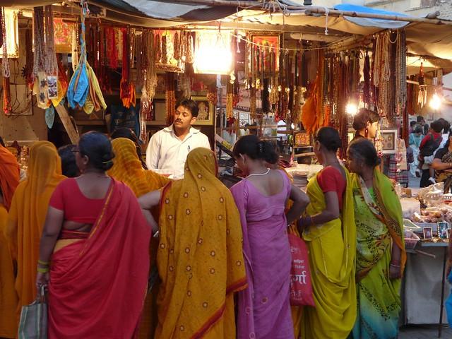 Escena en un bazar de Jaipur (India)