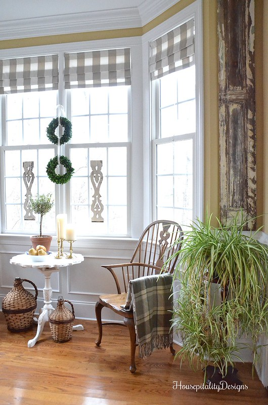 Dining Room-Bay Window-Housepitality Designs