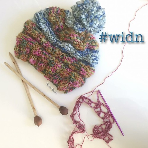 Thanks Alia from @thelittlebeenz for inviting me to show #widn !! I'm glad to say that I finally started and ended a project in one sitting! I made this slouchy as a gift and to make it I used the knitting needles I made!! And they were a pleasure to work | by chileanhands