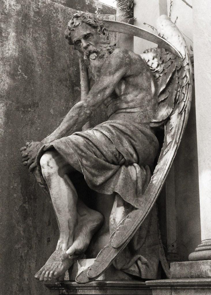 El Ángel de la Muerte   sólo espera y llegará.   Flickr