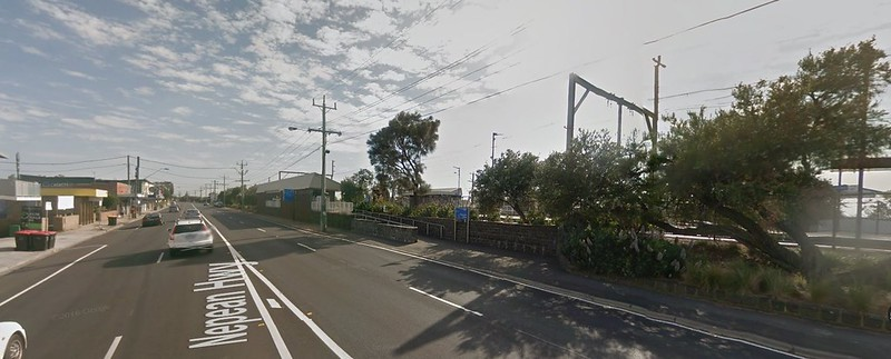 Bonbeach station, October 2015 (Google Streetview)