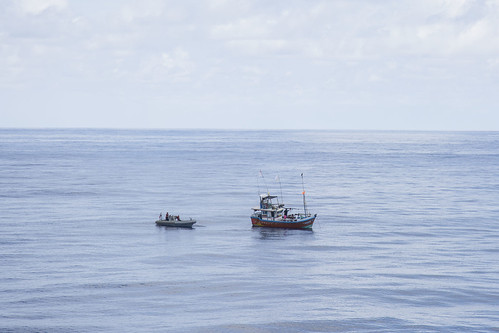 Crew of USS Anchorage Renders Aid to Stranded Sri Lankan-flagged Fishing Vessel