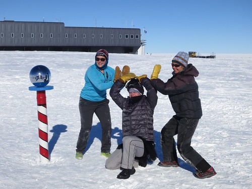 The mid shift (left to right): Emma Kahle, Nicholas Wipperfurth, Elizabeth Morton | by U.S. Ice Drilling