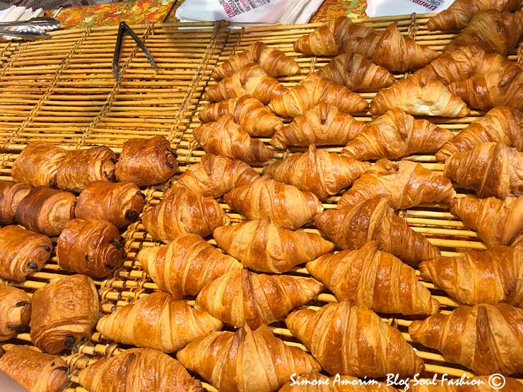Croissant e pain au chocolat! Claro que comprei pro café da manhã. Amooooo
