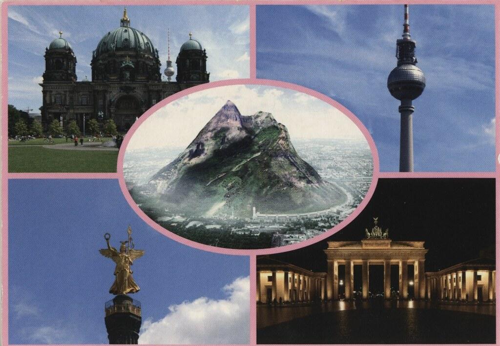 Carte postale de Berlin absolument géniale avec une gigantesque montagne... qui n'existe pas :)