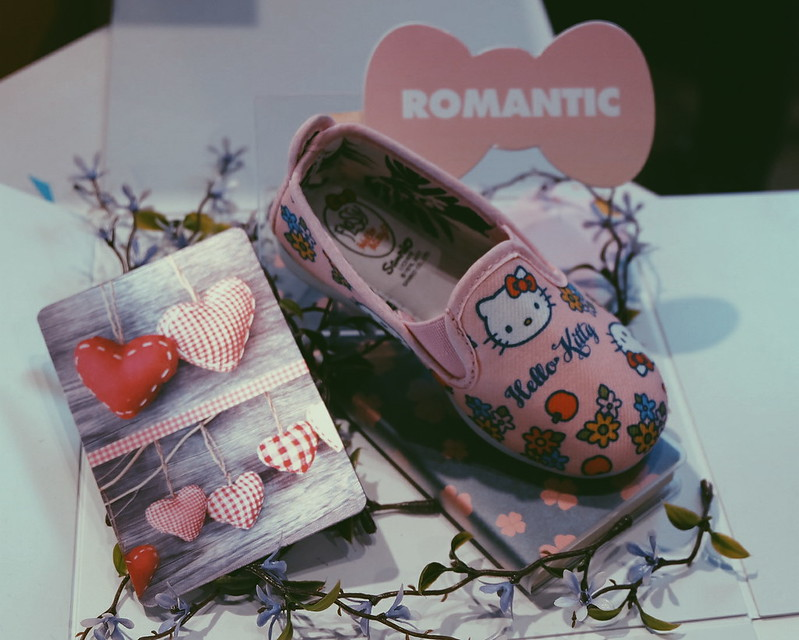 Hello Kitty Shoes from Flossy Footwear #FlossyxHelloKitty