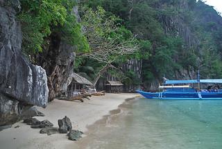 Coron - Coron island beach boat