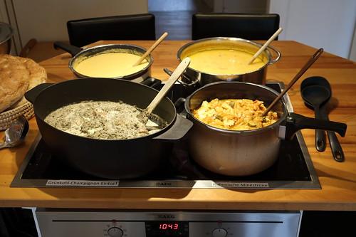 Suppenbuffet (Englische Gemüsesuppe, Italienische Minestrone, Grünkohl-Champignon-Eintopf, Maissuppe)