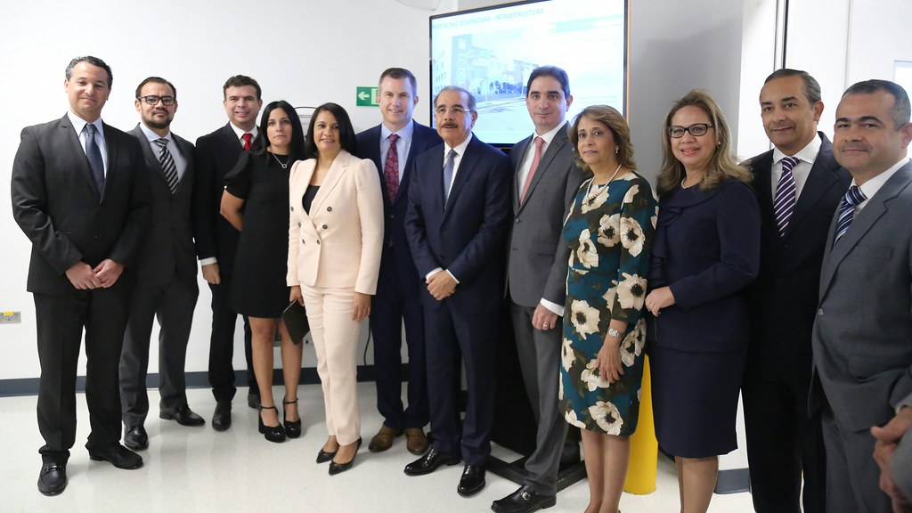 Más empleos e inversiones: Danilo asiste a inauguración cu… | Flickr