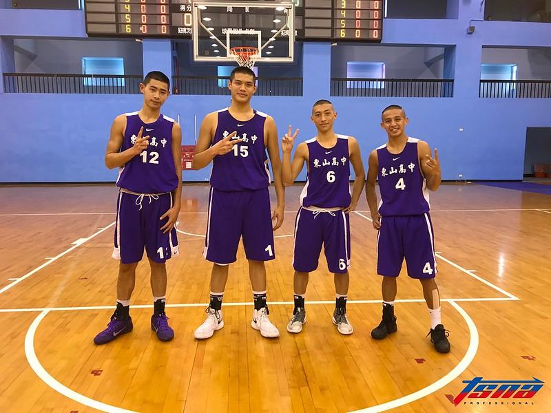 東山高中搶下2018年世界中學生3對3籃球錦標賽代表權,4位球員將穿上生涯首件中華隊球衣。(鍾亞芳/攝)