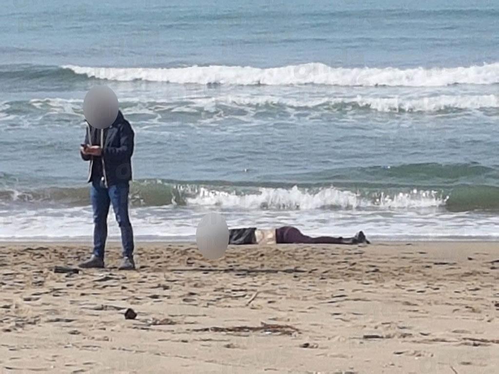 Matrimonio Spiaggia Paestum : Macabro ritrovamento a capaccio paestum cadavere di una