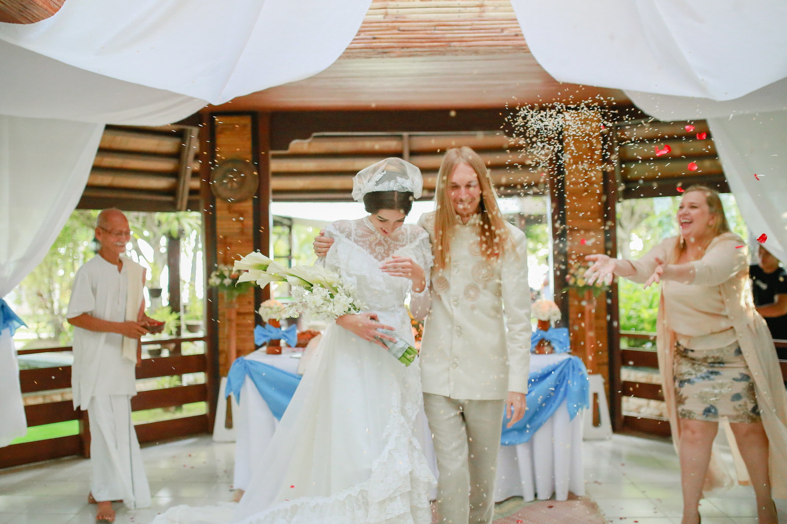 Cebu Beach Wedding, Cebu Wedding Photographer