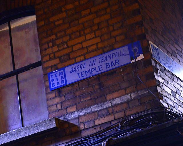 Letrero de la calle Temple Bar, uno de los sitios más tipicos que ver en Dublín