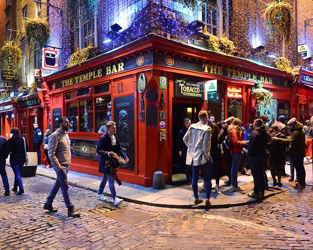 Pub Temple Bar, uno de los lugares imprescindibles que visitar en Dublín