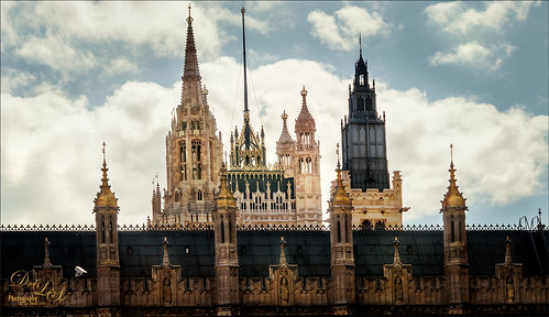 Image of Parliament in London