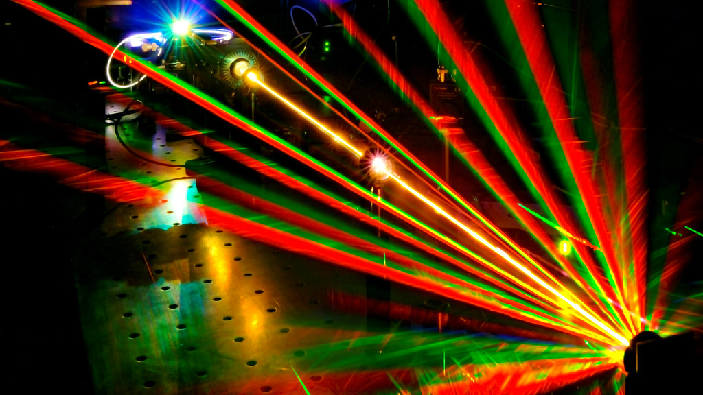 Twisting laser light can help study nanoscopic molecules