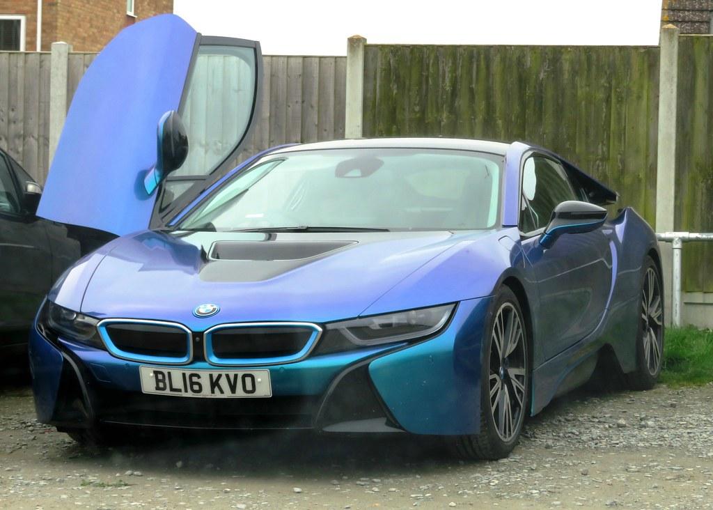 2016 Bmw I8 2016 Bmw I8 1 5l Hybrid Electric Car En Wikip Flickr
