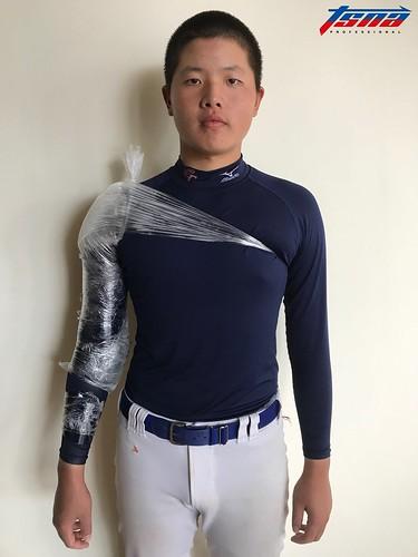 桃市新明國中陳志杰獲得投手獎。(鍾亞芳/攝)