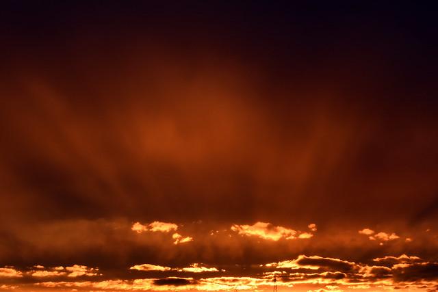 Sonnenuntergang Mannheim-Seckenheim Ende März 2018 ... Sonnenuntergang ... Abendrot = Gutwetterbot oder Abendrot = Schlechtwetter droht ... Foto: Brigitte Stolle