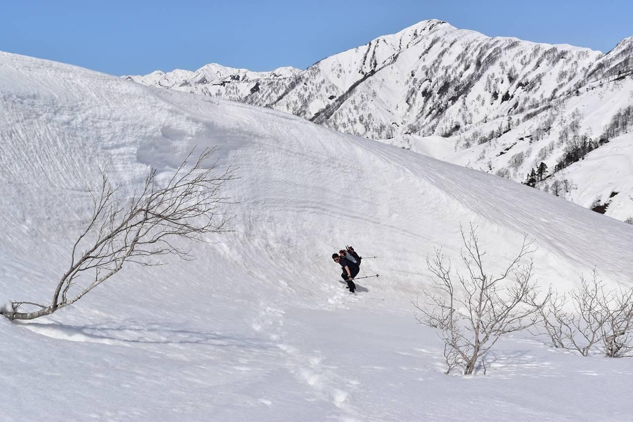 雪のビックウェーブに乗る